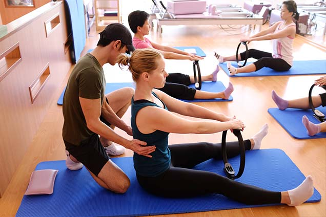 pilates studio in singapore - mat class 2