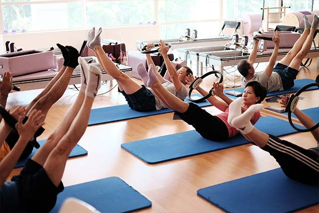 pilates studio in singapore - mat class 4